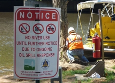 Enbridge spill kalamazoo river tour 19aug2011 sign 472x340d
