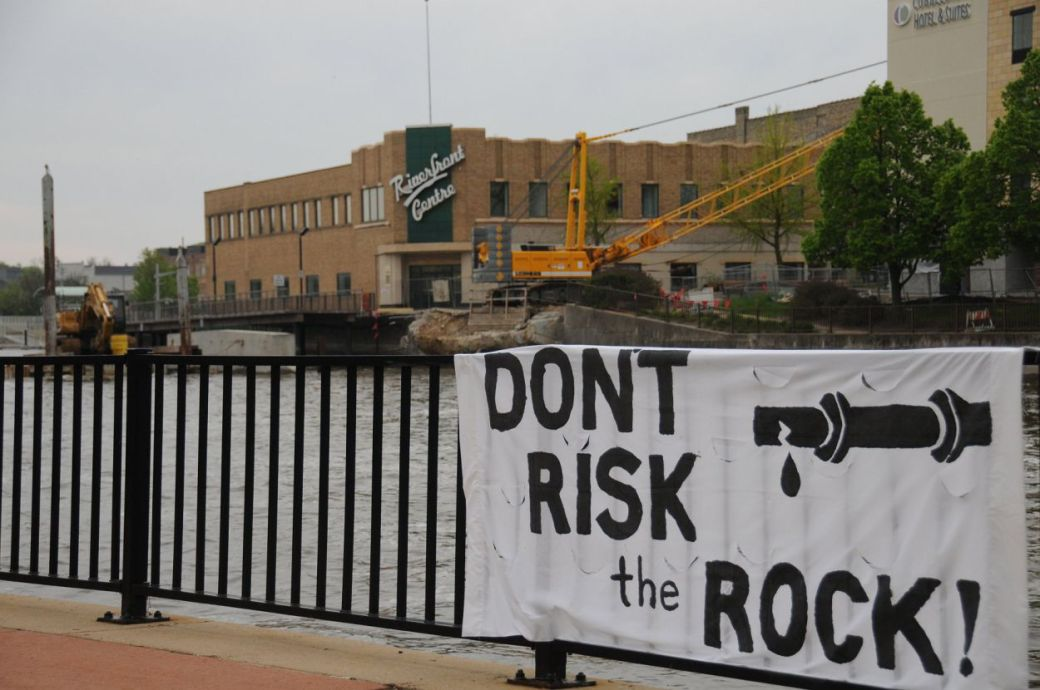 190518_TKaiser-risk banner w casino in background